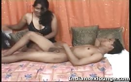 राहुल ने होटल में ले जाकर स्कूल गर्ल को चोदा